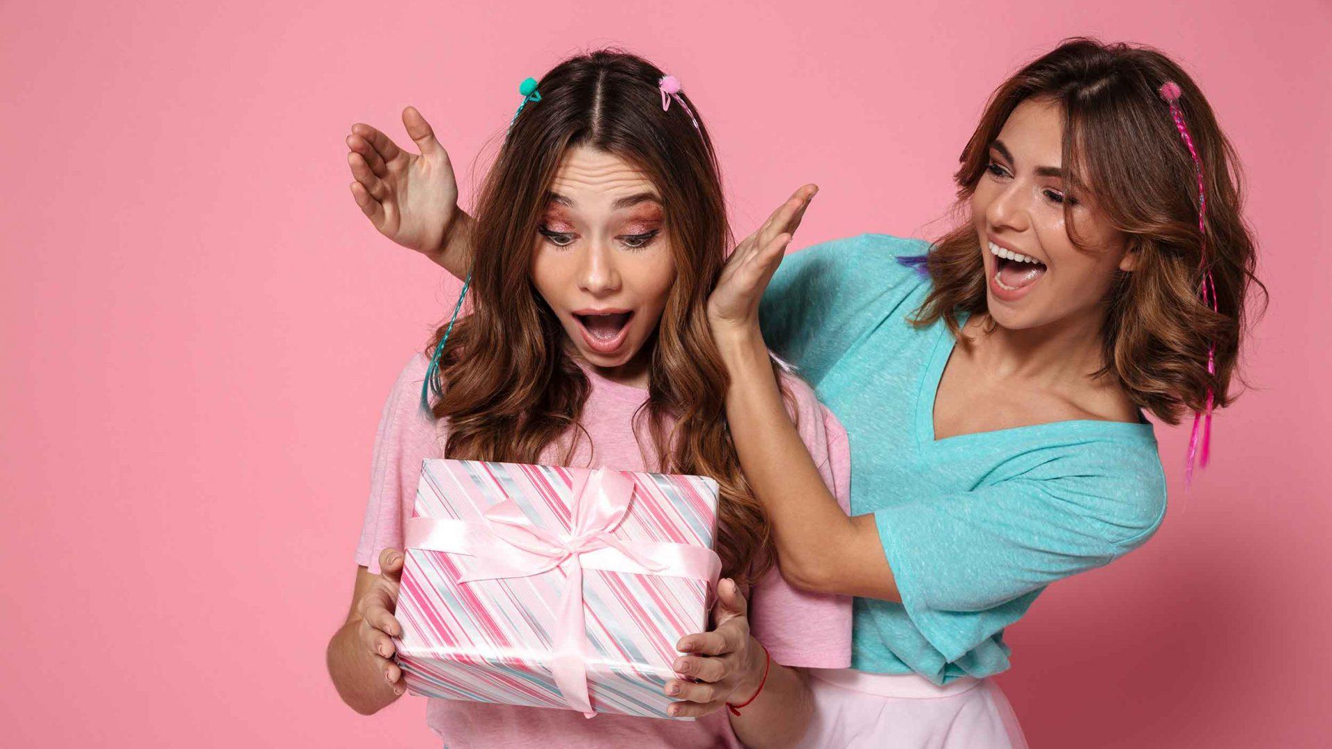 Surprise-Gift-Pink-BG